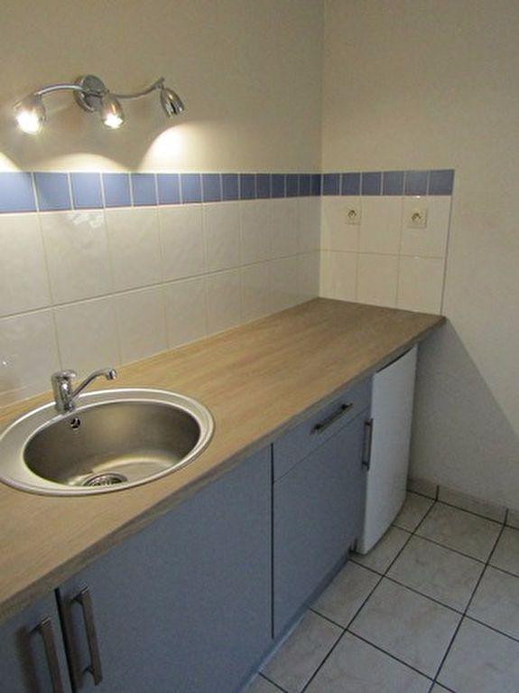 Appartement à louer 2 46m2 à Blois vignette-1