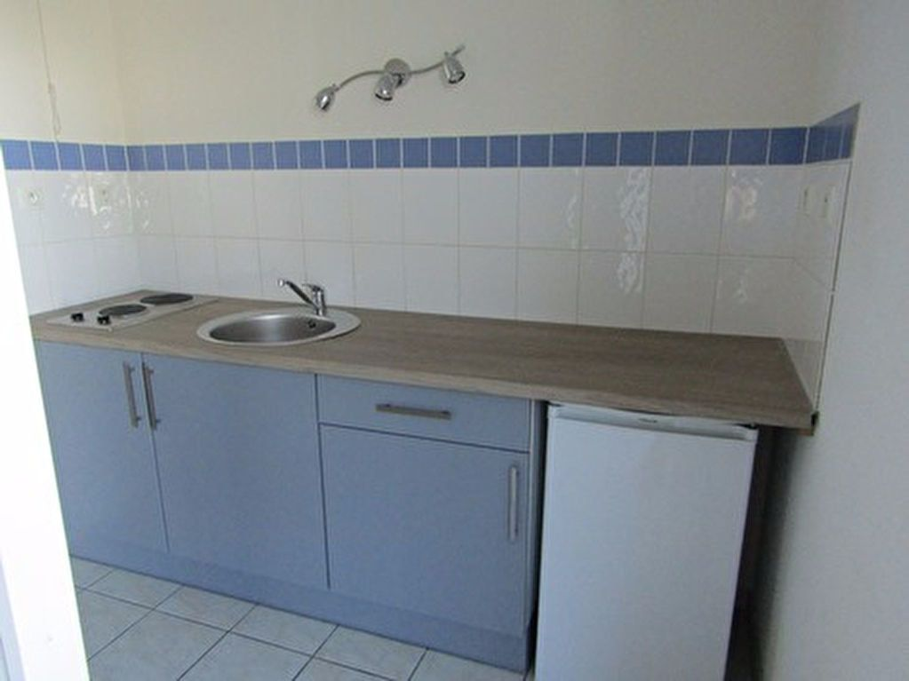 Appartement à louer 2 46m2 à Blois vignette-2