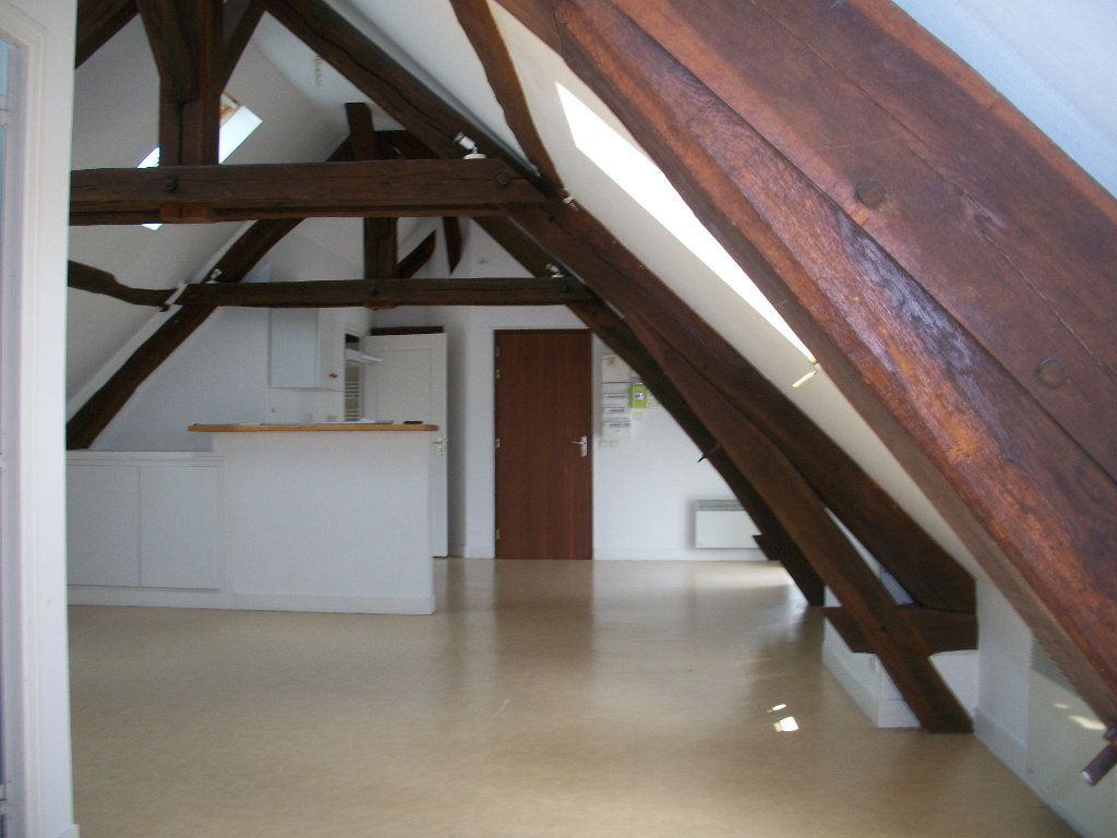Appartement à louer 3 57.8m2 à Mer vignette-1