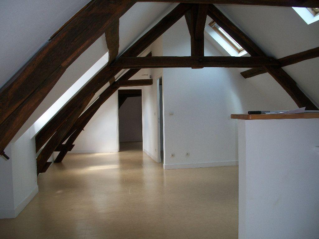 Appartement à louer 3 57.8m2 à Mer vignette-3