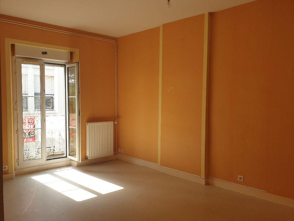 Appartement à vendre 3 52.72m2 à Blois vignette-2
