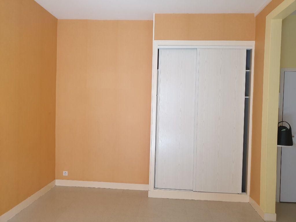 Appartement à vendre 3 52.72m2 à Blois vignette-3