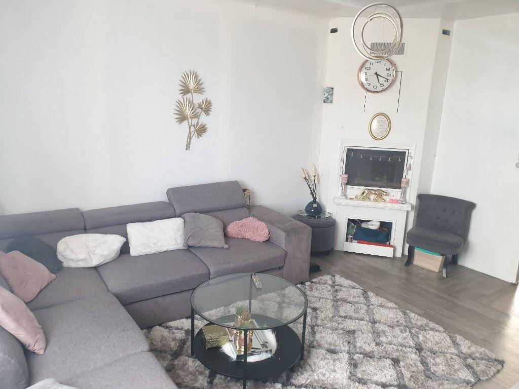 Maison à vendre 4 75m2 à La Chaussée-Saint-Victor vignette-3