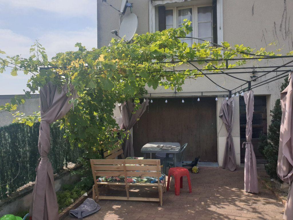 Maison à vendre 4 75m2 à La Chaussée-Saint-Victor vignette-12