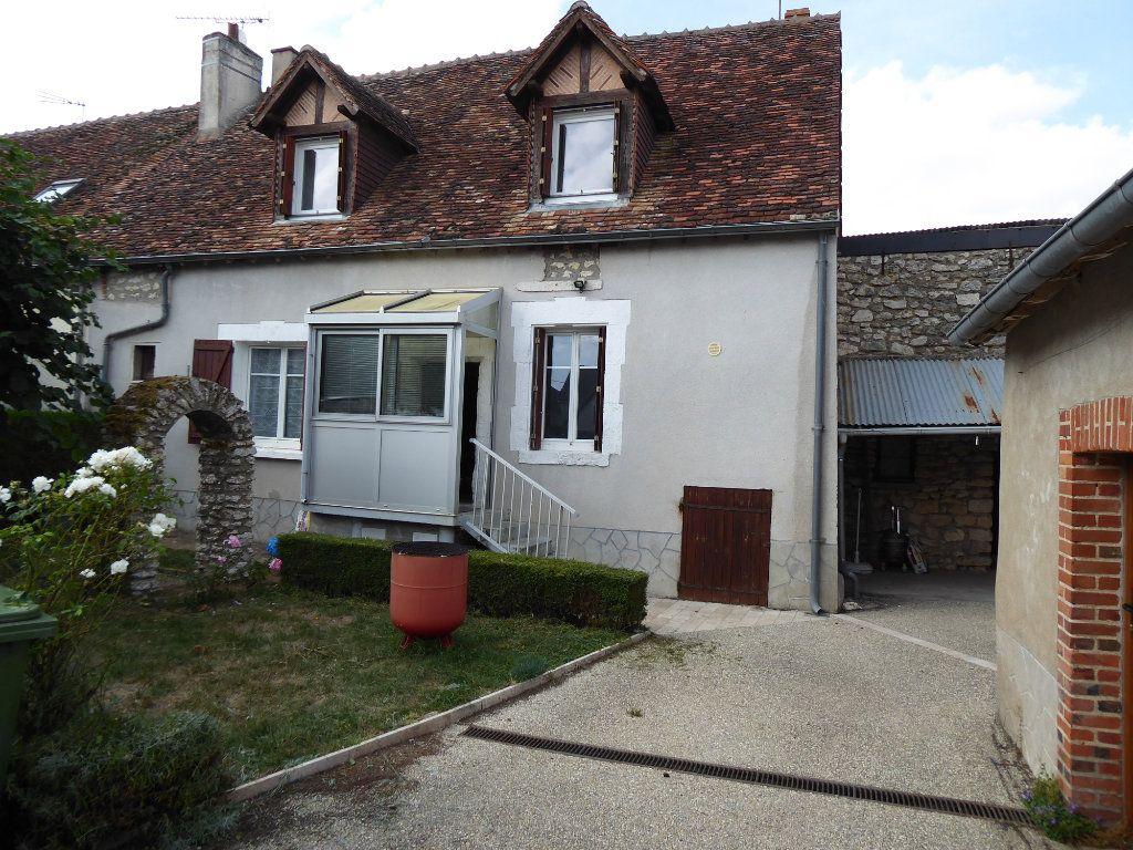 Maison à vendre 5 103m2 à La Chapelle-Saint-Martin-en-Plaine vignette-1