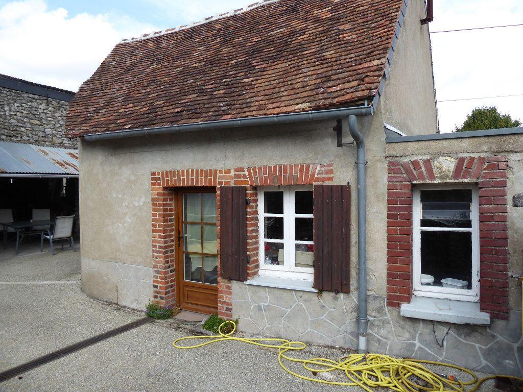 Maison à vendre 5 103m2 à La Chapelle-Saint-Martin-en-Plaine vignette-11