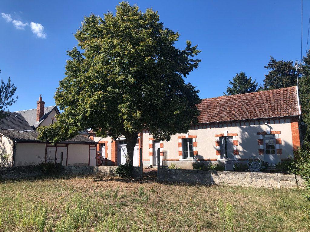 Maison à vendre 4 90m2 à La Ferté-Saint-Cyr vignette-1