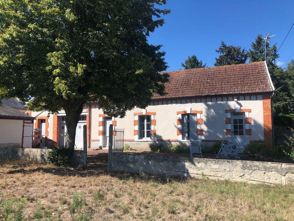 Maison à vendre 4 90m2 à La Ferté-Saint-Cyr vignette-2