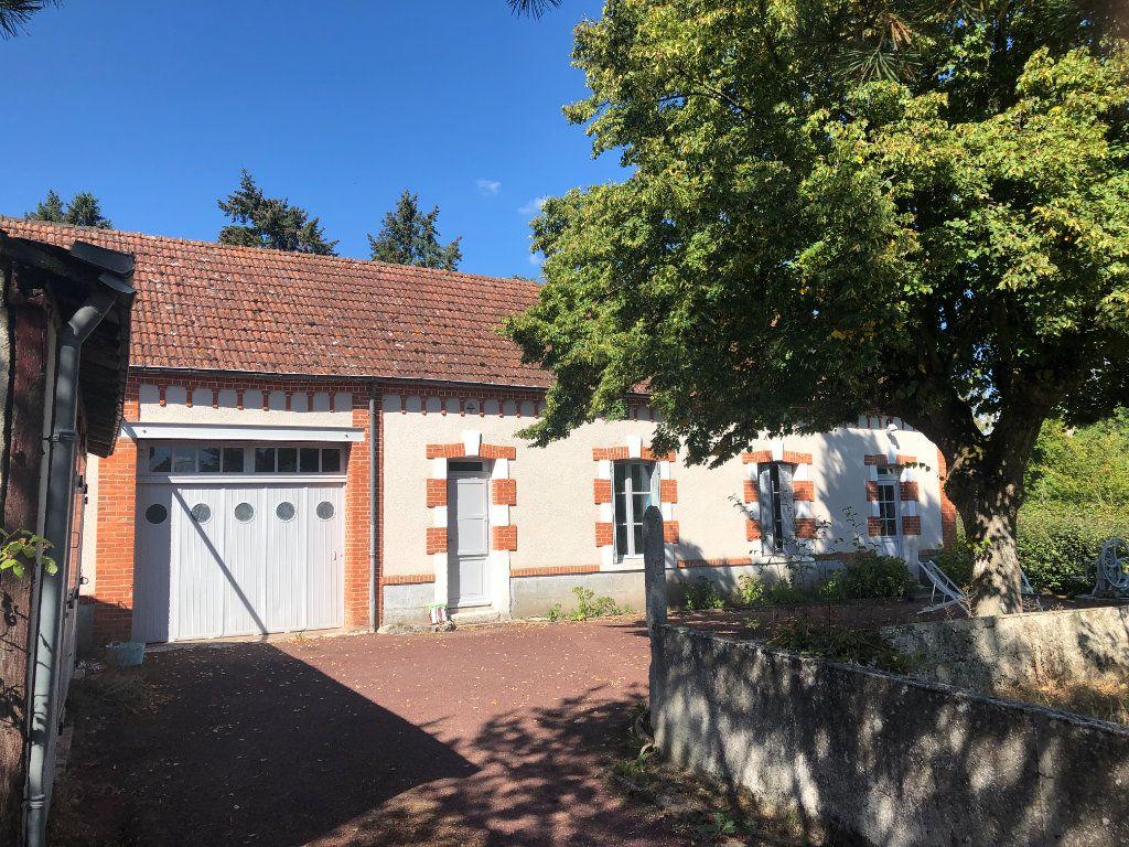 Maison à vendre 4 90m2 à La Ferté-Saint-Cyr vignette-3