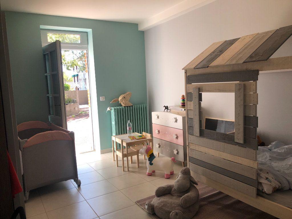 Maison à vendre 4 90m2 à La Ferté-Saint-Cyr vignette-9