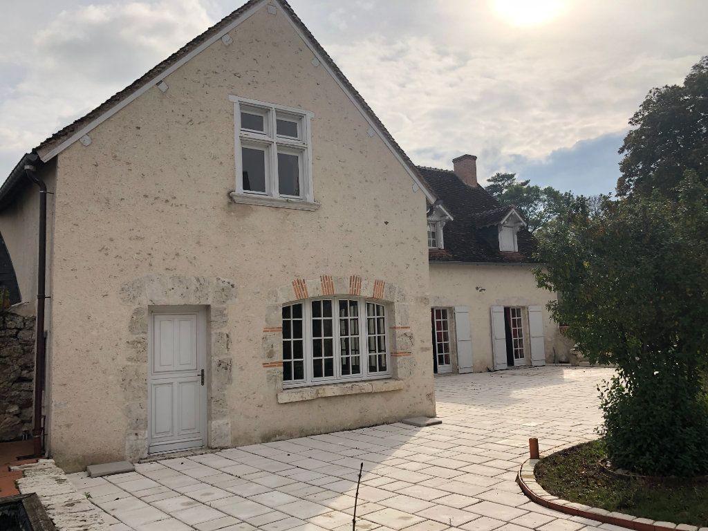 Maison à vendre 9 331m2 à Cour-sur-Loire vignette-1