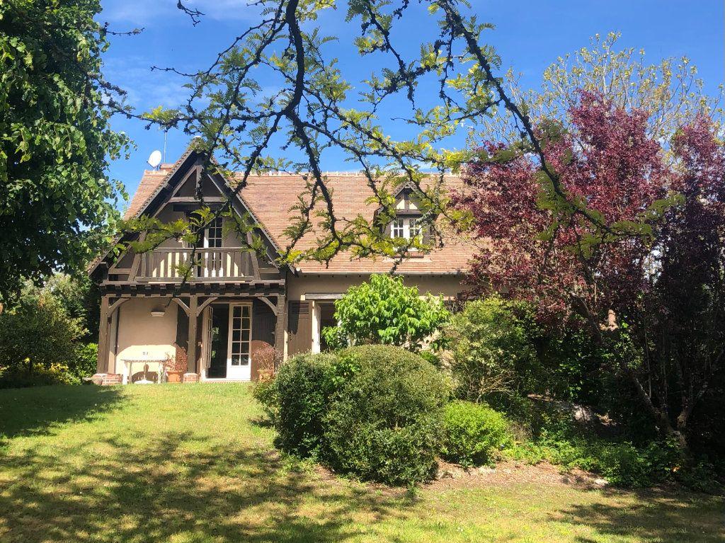 Maison à vendre 6 150m2 à Tavers vignette-1