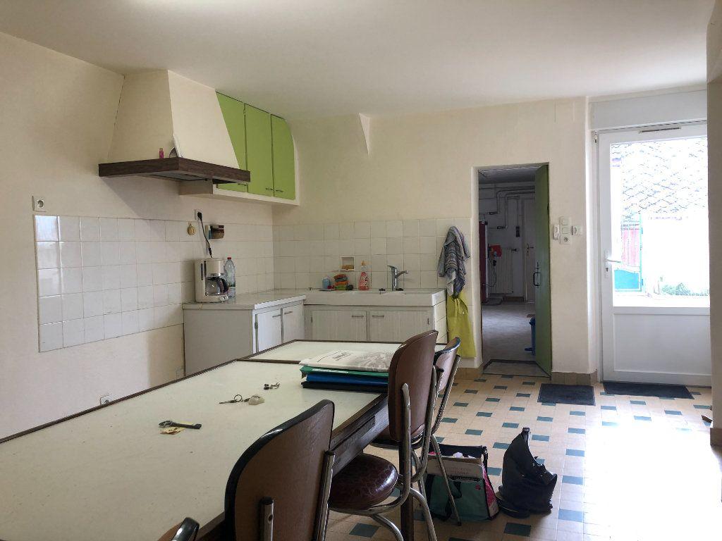 Maison à vendre 4 129m2 à La Chapelle-Saint-Martin-en-Plaine vignette-3