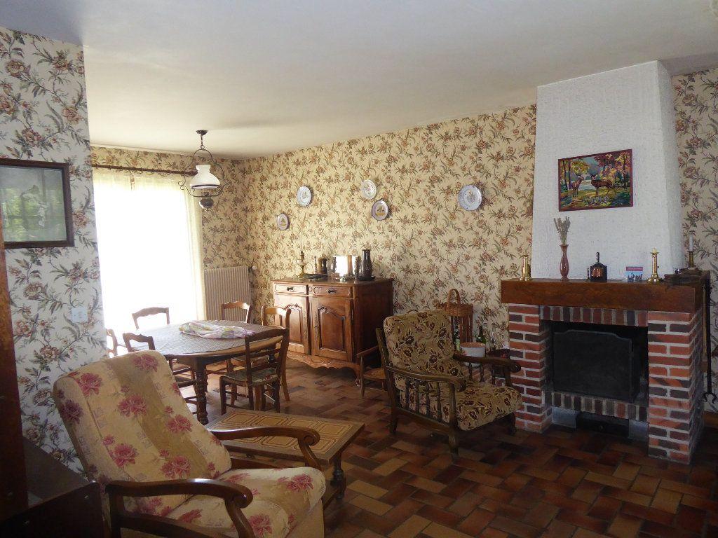 Maison à vendre 5 106m2 à La Ferté-Saint-Cyr vignette-4