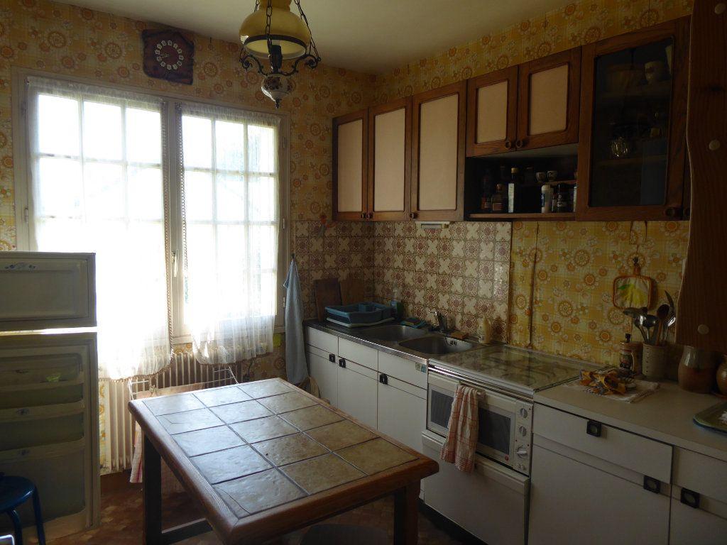 Maison à vendre 5 106m2 à La Ferté-Saint-Cyr vignette-5