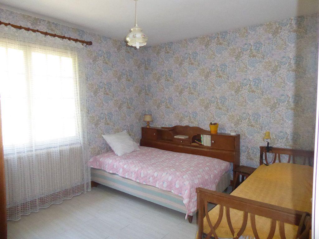 Maison à vendre 5 106m2 à La Ferté-Saint-Cyr vignette-6