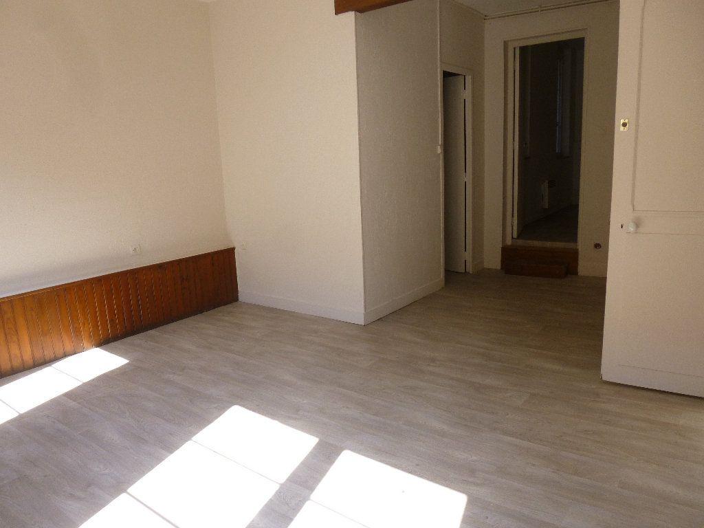 Appartement à louer 2 34.33m2 à Pont-Audemer vignette-1