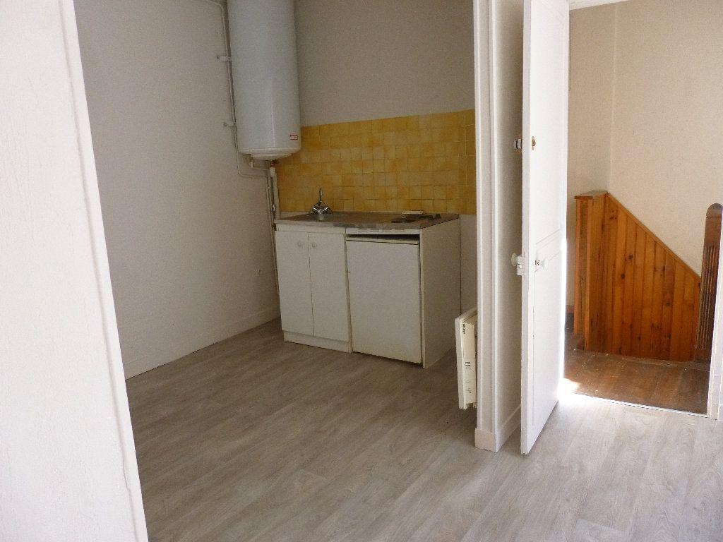 Appartement à louer 2 34.33m2 à Pont-Audemer vignette-2