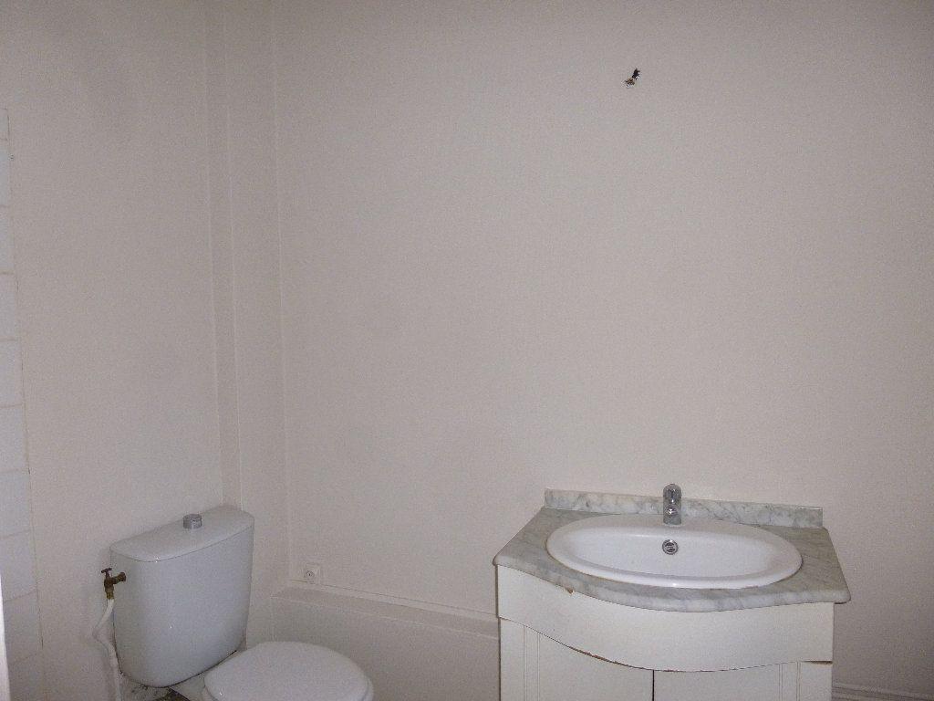 Appartement à louer 2 34.33m2 à Pont-Audemer vignette-3