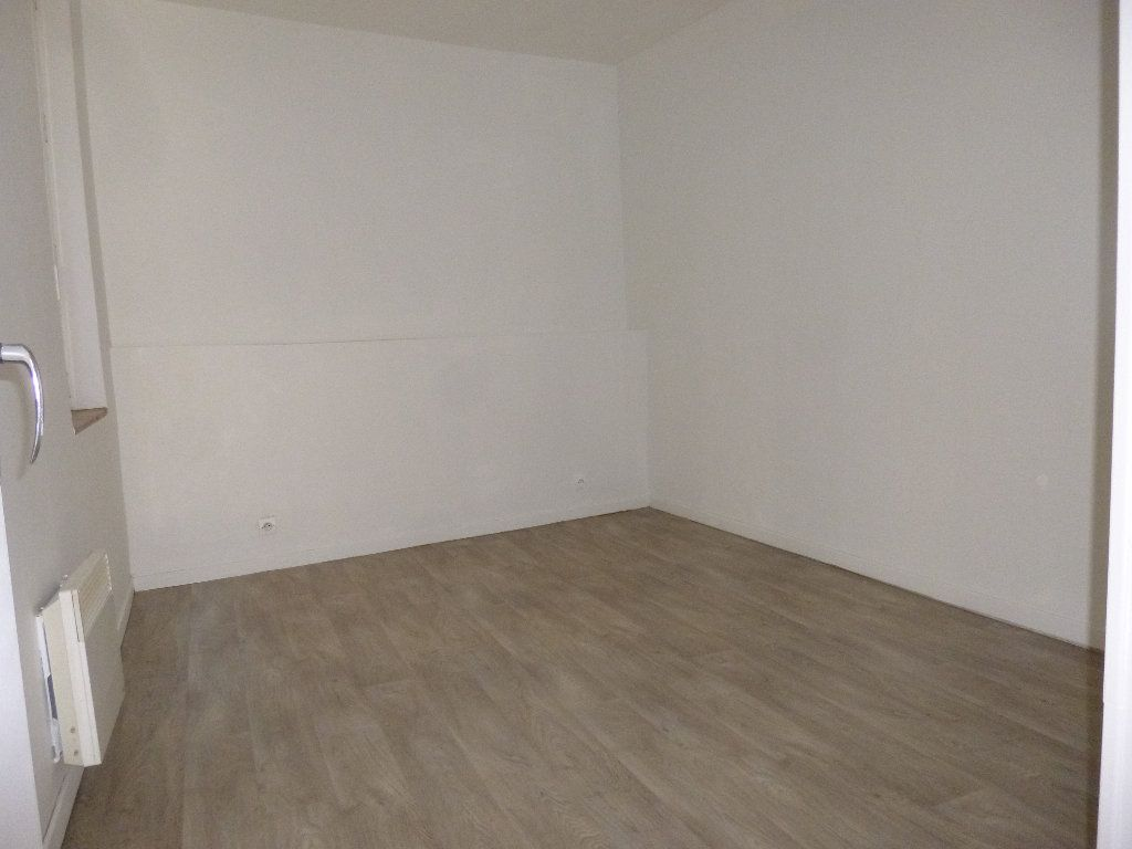 Appartement à louer 2 34.33m2 à Pont-Audemer vignette-4