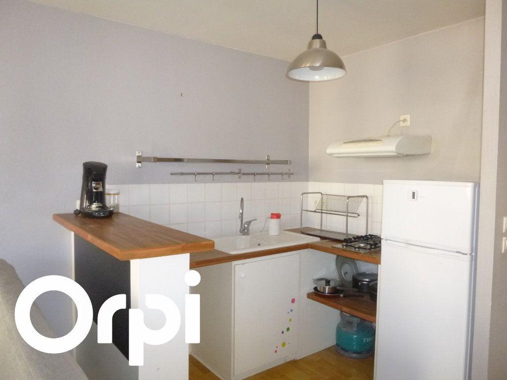 Appartement à louer 2 56.5m2 à Pont-Audemer vignette-3