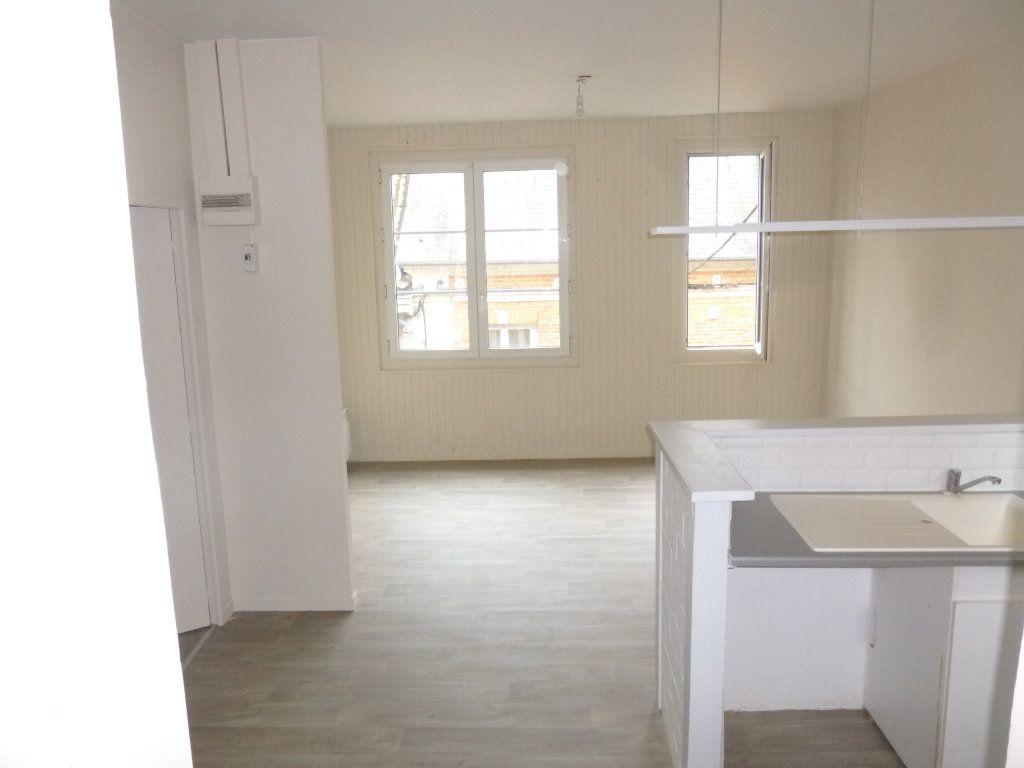 Appartement à louer 3 47.38m2 à Pont-Audemer vignette-1