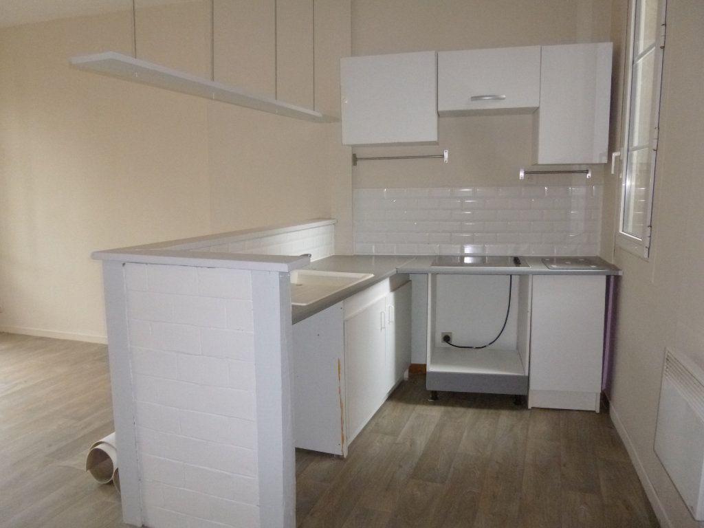 Appartement à louer 3 47.38m2 à Pont-Audemer vignette-2