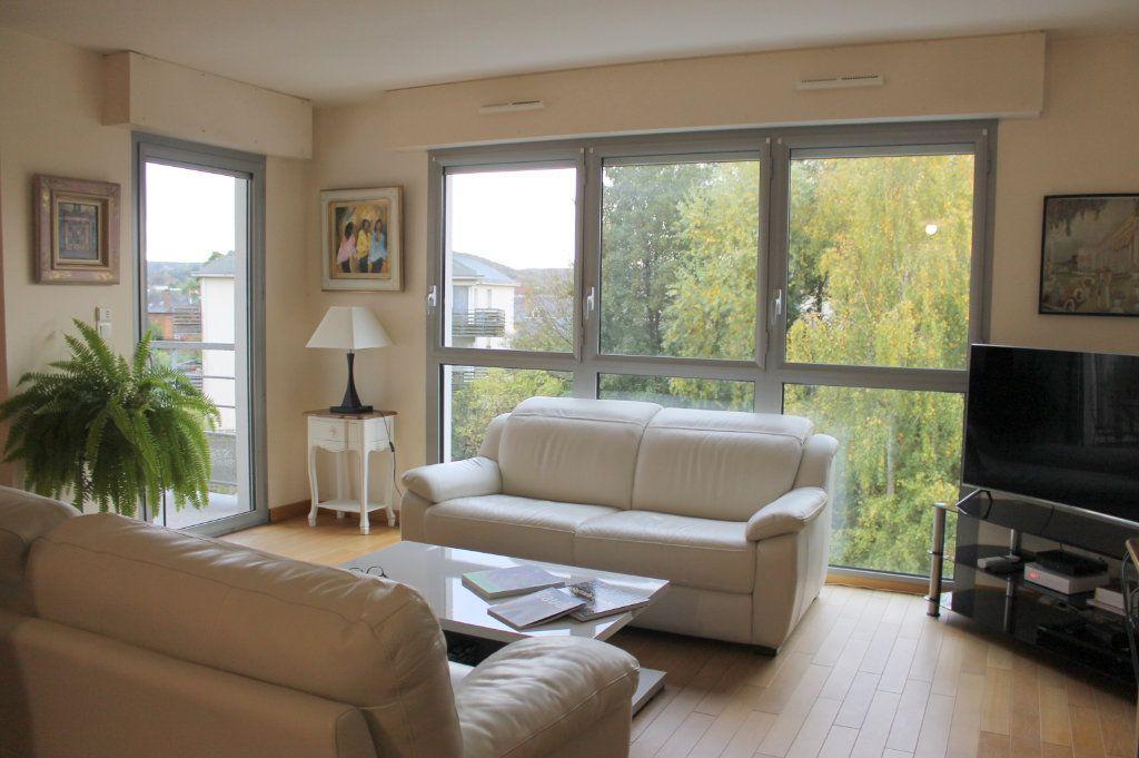 Appartement à louer 2 65.28m2 à Pont-Audemer vignette-1