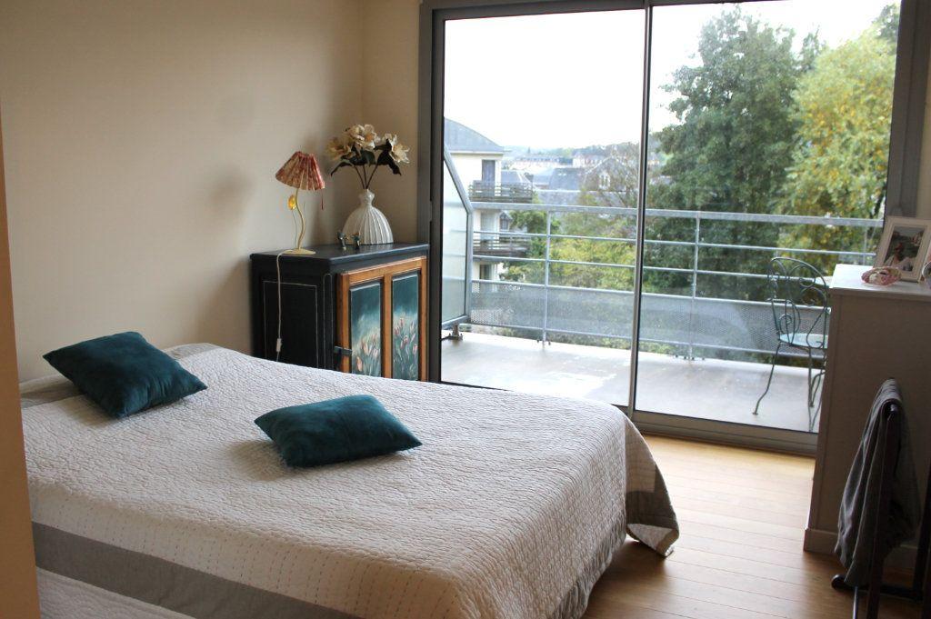 Appartement à louer 2 65.28m2 à Pont-Audemer vignette-4