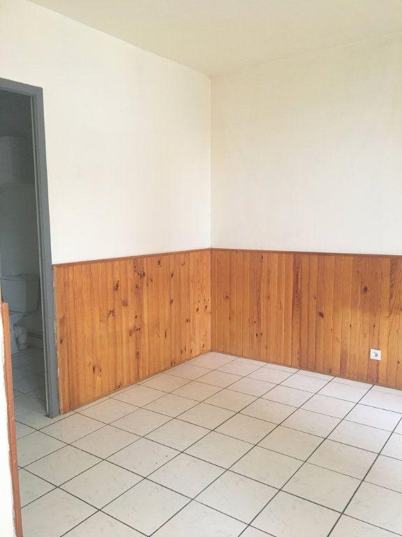 Appartement à louer 1 25.5m2 à Pont-Audemer vignette-1