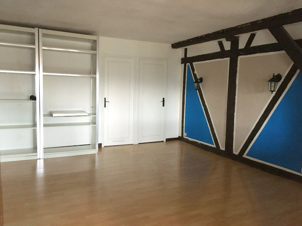 Appartement à louer 3 77m2 à Pont-Audemer vignette-2
