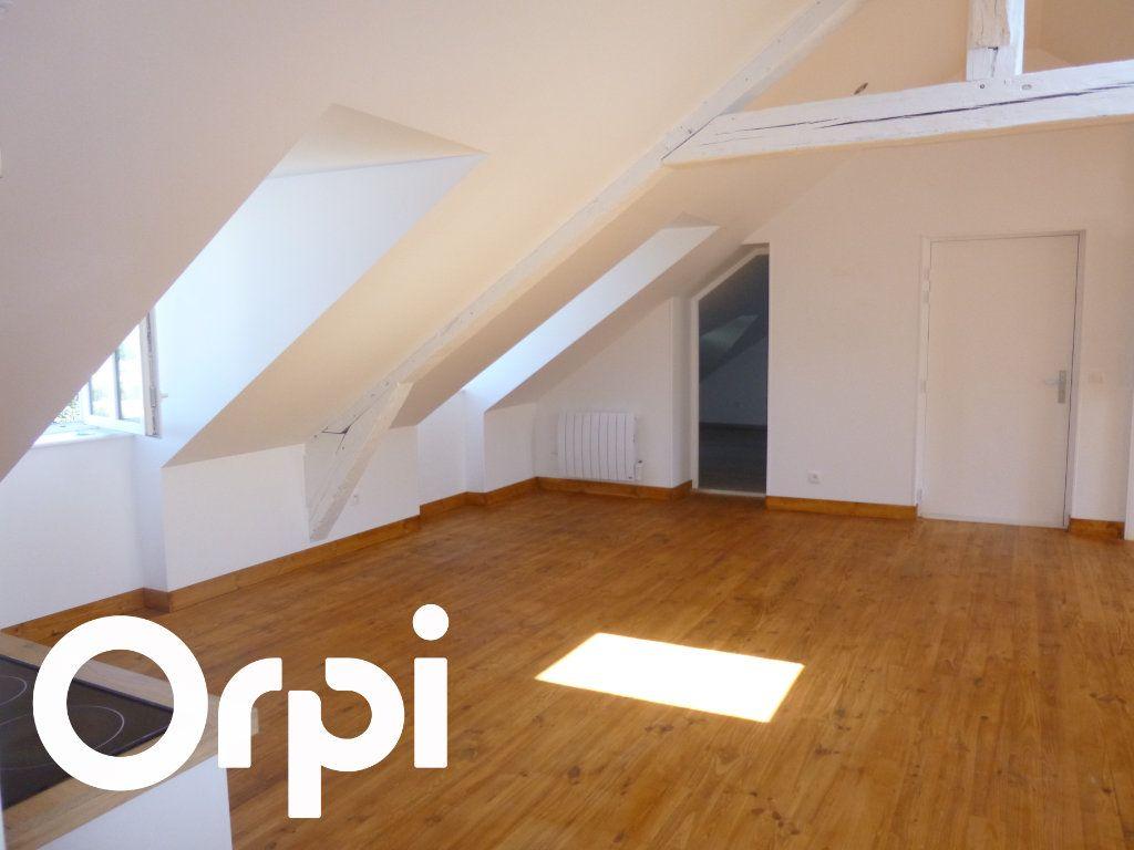 Appartement à louer 3 50m2 à Saint-Germain-Village vignette-2