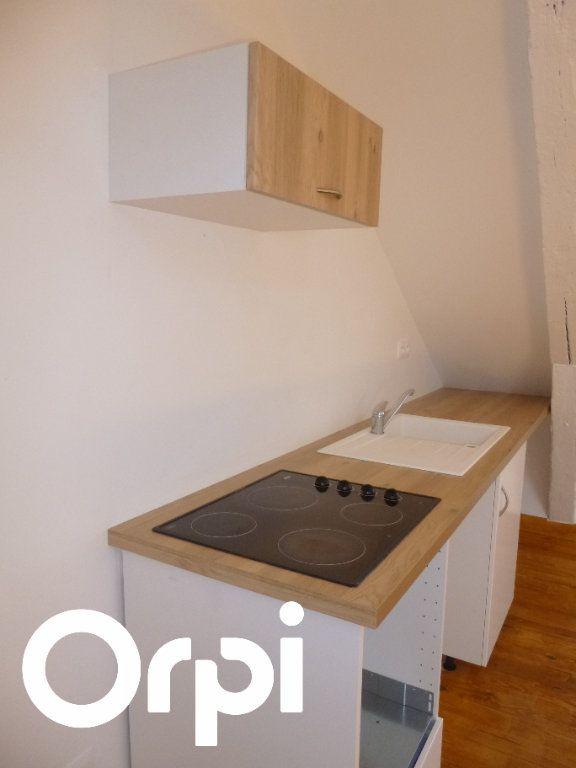 Appartement à louer 3 50m2 à Saint-Germain-Village vignette-3