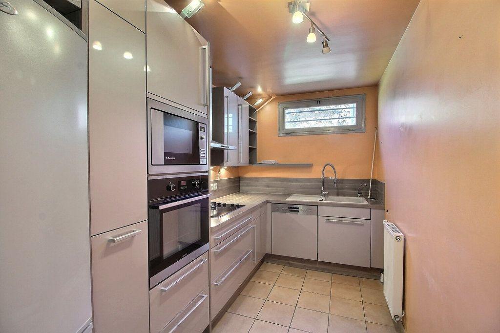 Appartement à vendre 4 93m2 à Meaux vignette-3