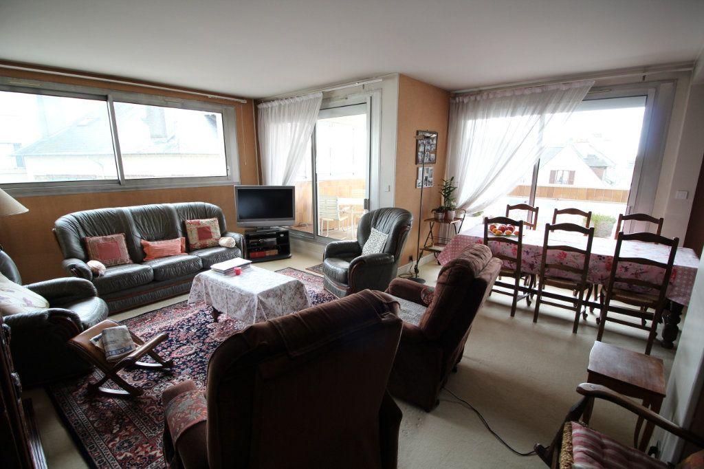 Appartement à vendre 4 112m2 à Meaux vignette-2
