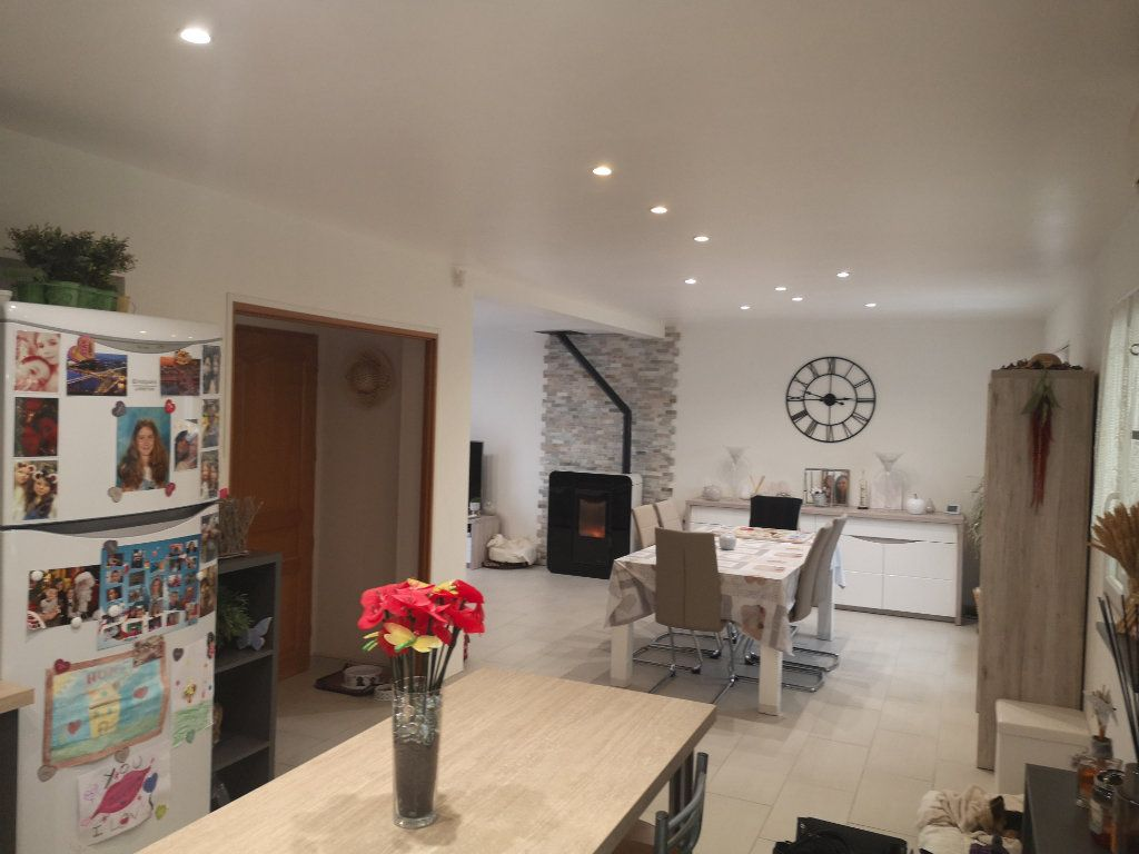 Maison à vendre 5 117m2 à Germigny-l'Évêque vignette-2