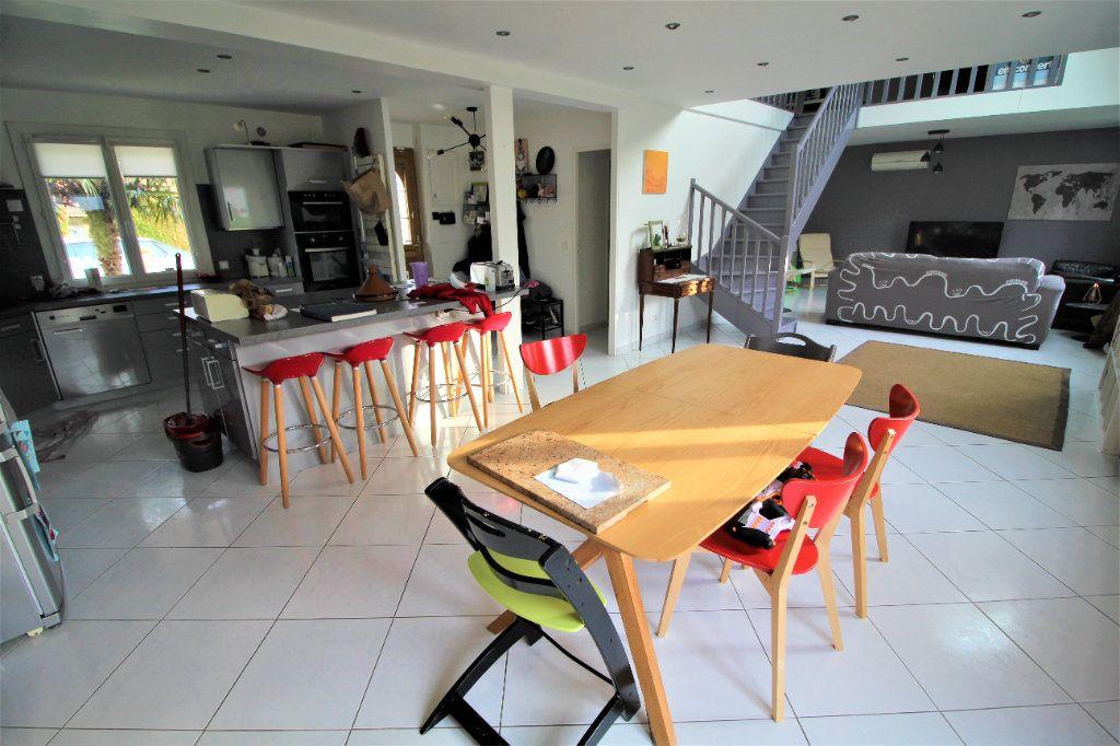 Maison à vendre 5 160m2 à Saint-Soupplets vignette-1
