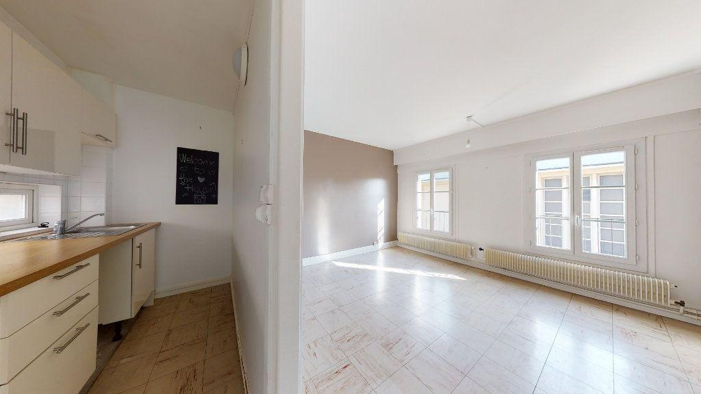 Appartement à louer 3 44.12m2 à Le Havre vignette-1