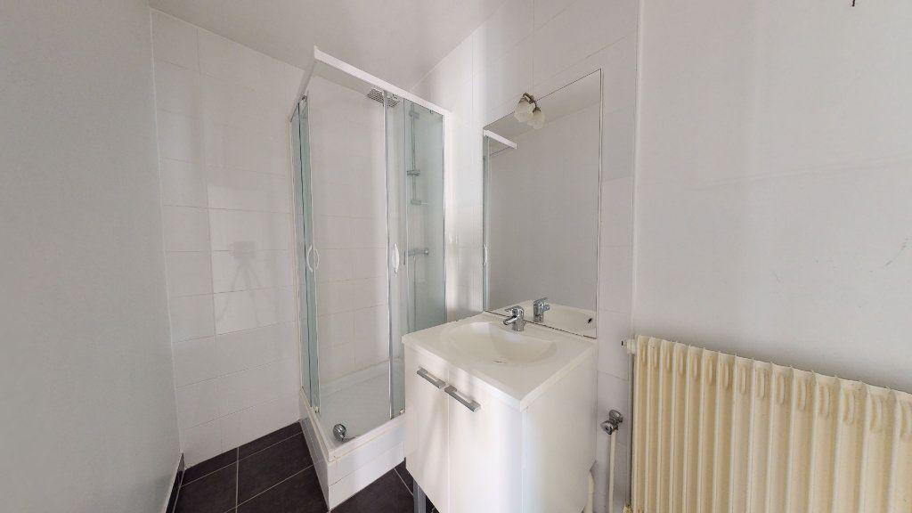 Appartement à louer 3 44.12m2 à Le Havre vignette-5