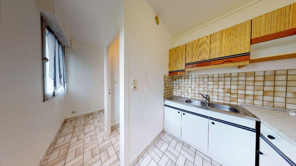 Appartement à louer 1 30.14m2 à Sainte-Adresse vignette-3