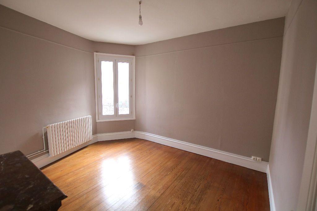 Appartement à louer 3 56.11m2 à Le Havre vignette-1