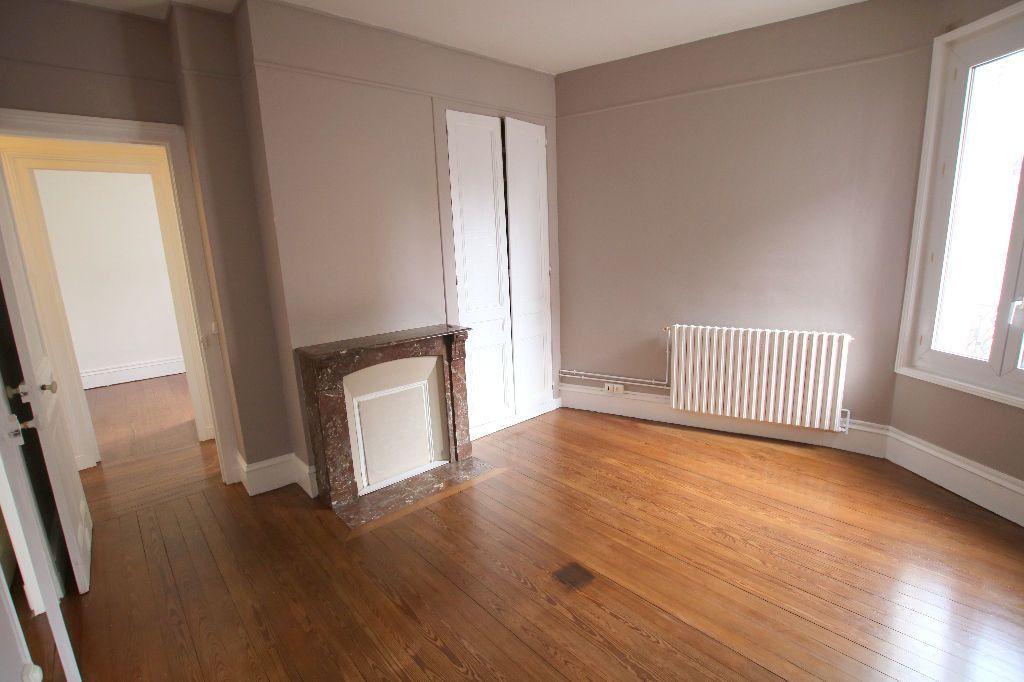 Appartement à louer 3 56.11m2 à Le Havre vignette-2