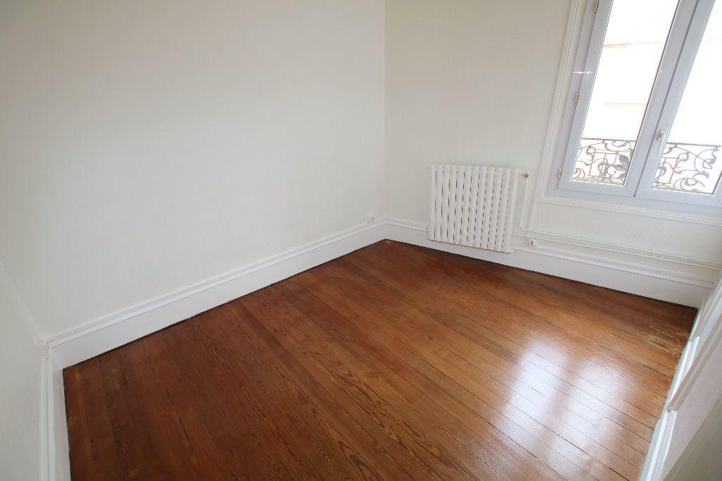 Appartement à louer 3 56.11m2 à Le Havre vignette-3