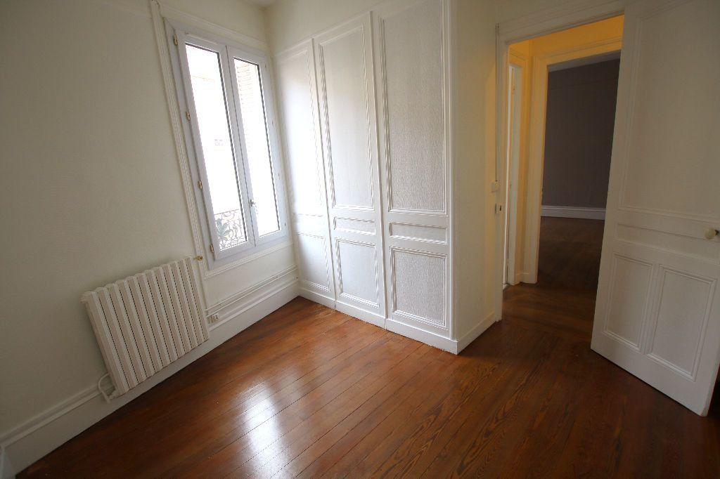 Appartement à louer 3 56.11m2 à Le Havre vignette-4