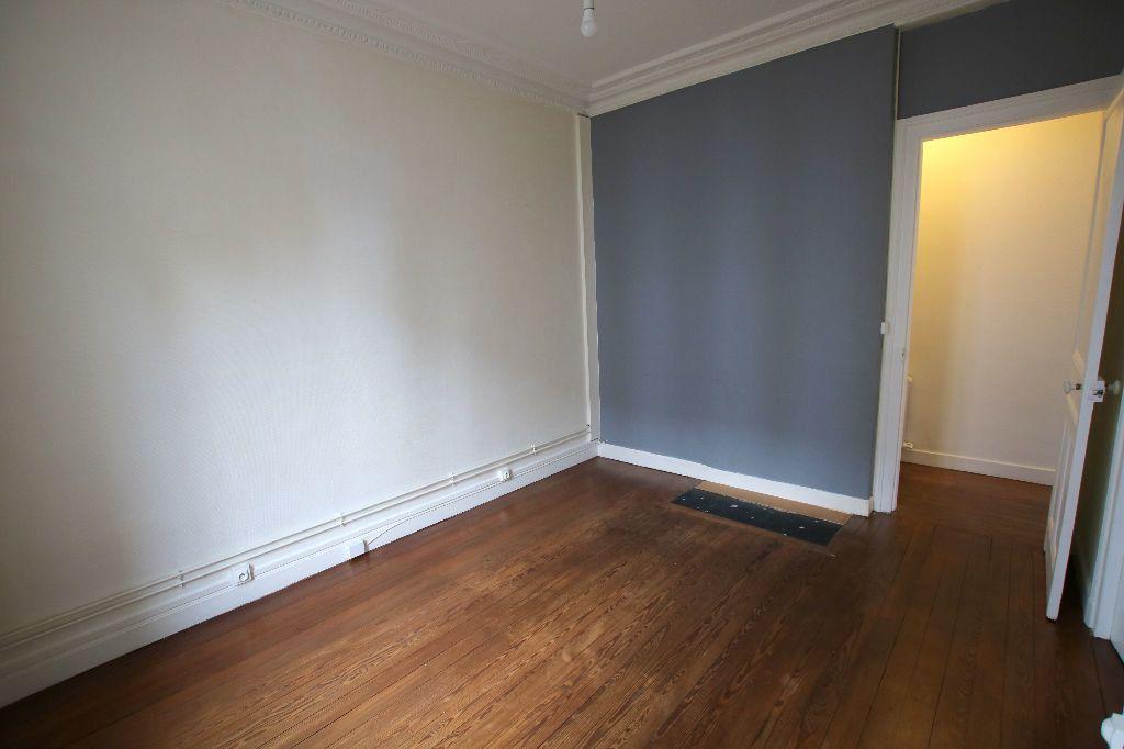 Appartement à louer 3 56.11m2 à Le Havre vignette-6