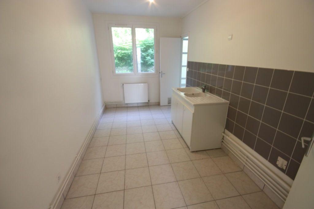 Appartement à louer 3 72.43m2 à Le Havre vignette-3