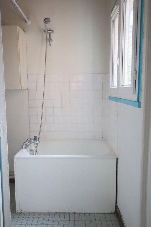 Appartement à louer 1 26.06m2 à Le Havre vignette-4