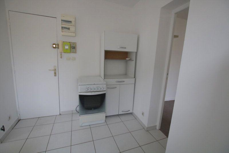 Appartement à louer 2 30.18m2 à Le Havre vignette-2