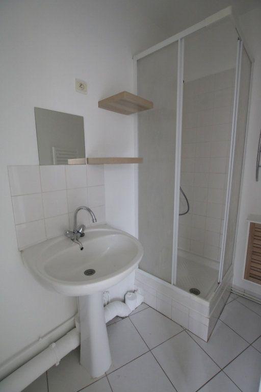 Appartement à louer 2 30.18m2 à Le Havre vignette-4