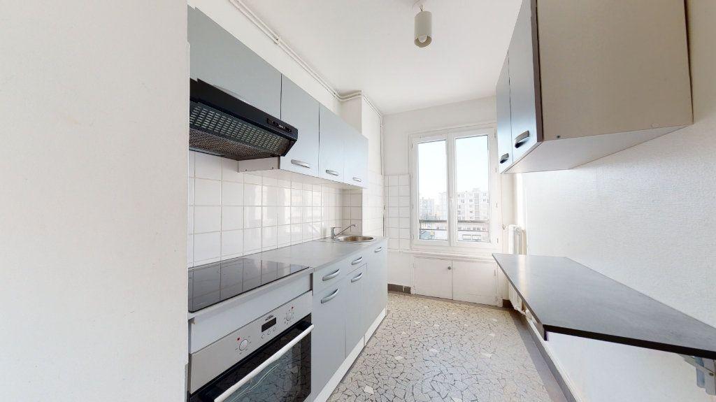 Appartement à louer 4 62.38m2 à Le Havre vignette-3
